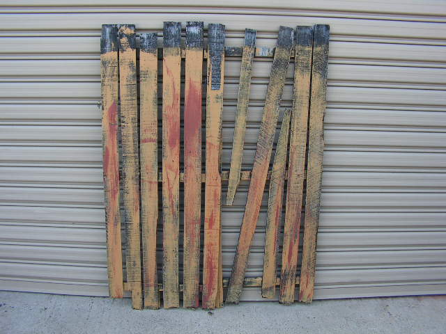 FEN0001 FENCE SECTIONS, Painted - Assorted Lengths $20