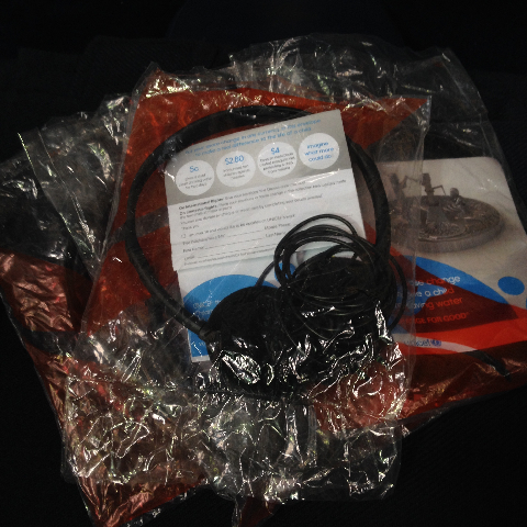 AIR0005 AIRLINE HEADPHONE, Airline style with bag $10