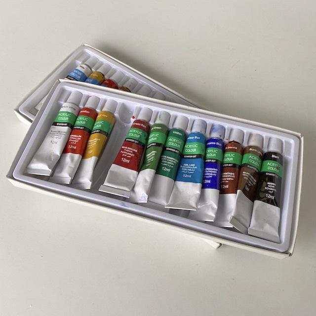 PAI0015 PAINT SET, Small Set of Paint Tubes in Box $7.50