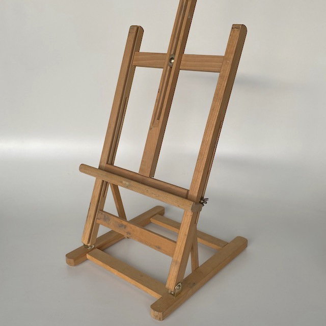 EAS0012 EASEL, Medium Table Top $18.75