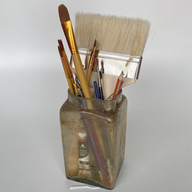 JAR0003 JAR, Shellac w Paint Brushes - Large $12.50