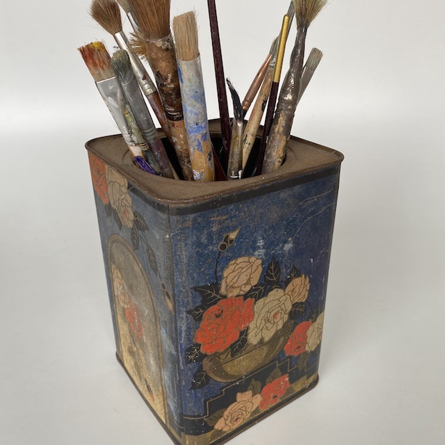 TIN0026 TIN, Asian Blue Orange Flowers w Paint Brushes $15