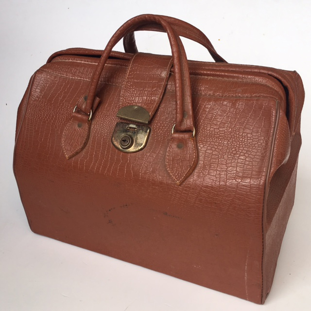 BAG0020 BAG, Gladstone Style Briefcase - Mid Brown $18.75