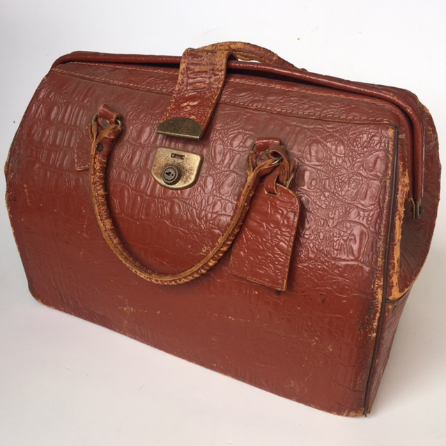 BAG0021 BAG, Gladstone Style Briefcase - Red Brown (Worn) $18.75