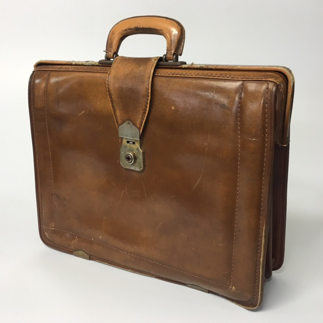 BRI0008 BRIEFCASE, Expanding Style - Faded Brown $18.75