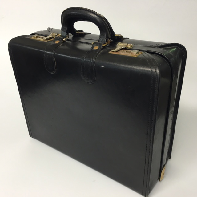 BRI0024 BRIEFCASE, Legal Style Ex Wide - Black w Rounded Corner $20