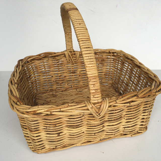 BAS0108 BASKET, Shopping - Classic Large Wicker $15