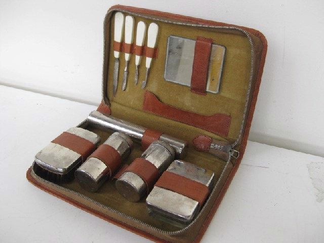 TRA0108 TRAVEL KIT, Mens Grooming Set - Tan Leather Case $12.50