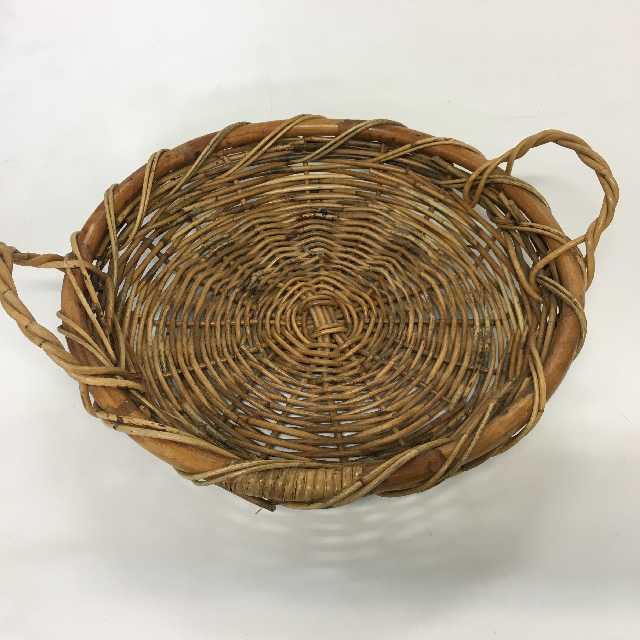 BAS0155 BASKET, Shallow Tray Medium w Handles $8.75