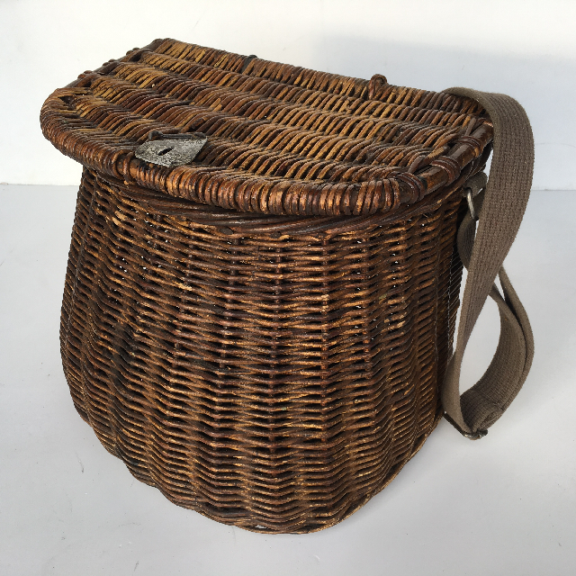 BAS0021 BASKET, Fishing Kreel w Shoulder Strap $15