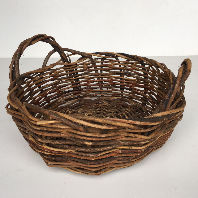 BAS0086 BASKET, Shallow Medium Dark Weave $7.50