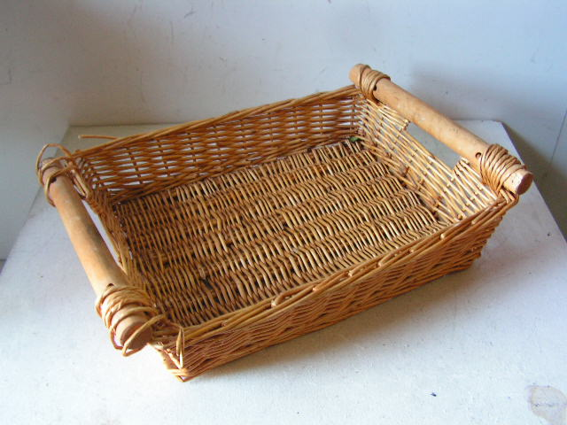 BAS0088 BASKET, Shallow Medium Wooden Handles $7.50