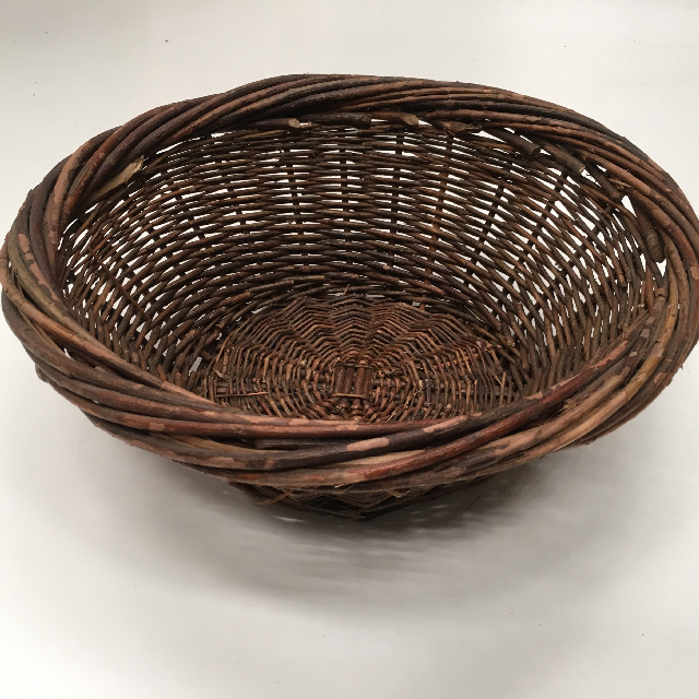 BAS0091 BASKET, Shallow Small Dark Display $6.25