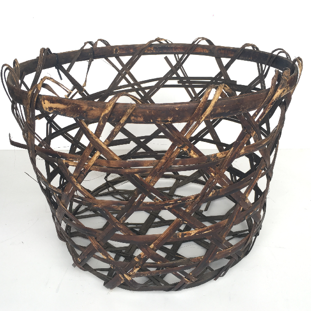 BAS0029 BASKET, Large Open Weave Dark $18.75