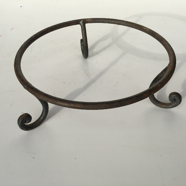 STA0102 STAND, Wrought Iron (for Bowls or Baskets) $6.25