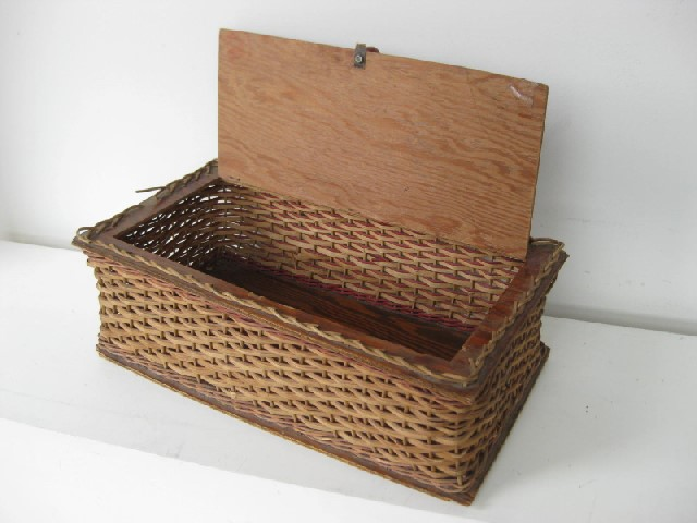 BAS0043 BASKET, Storage Box Woven Cane Vintage $15