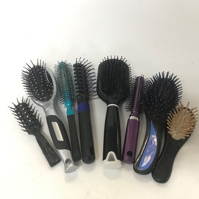 HAI0016 HAIR BRUSH, Plastic Assorted $2.50
