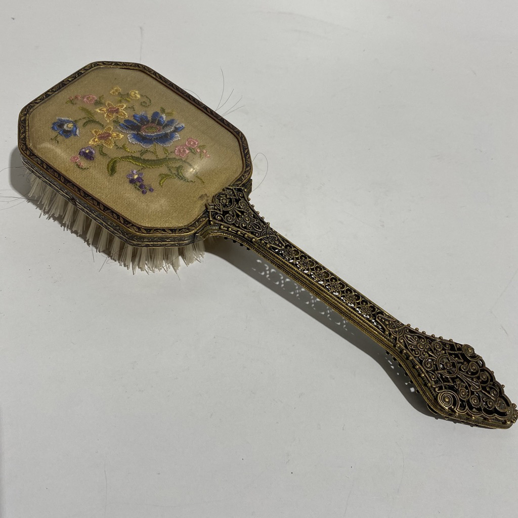 HAI0030 HAIR BRUSH, Vintage Gold Embroidered Back $7.50