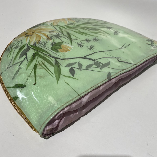 MAK0005 MAKE UP BAG, Retro Green Floral Pink Lining $6.25