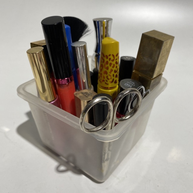 MAK0010 MAKE UP, Assorted (Small Box) $12.50