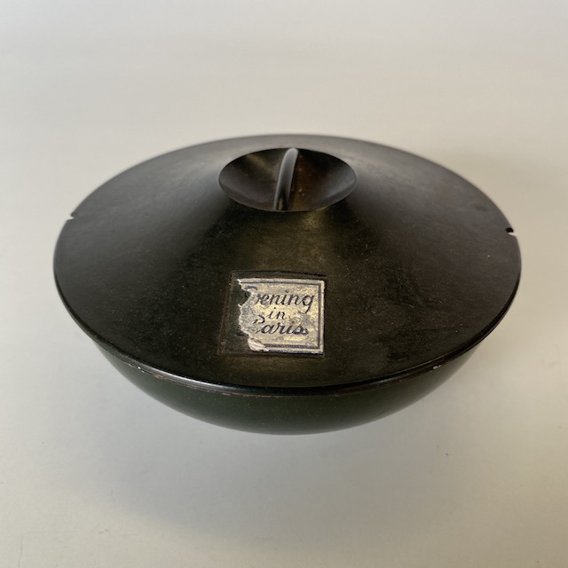 POW0010 POWDER BOX, Vintage Black Bakelite $12.50
