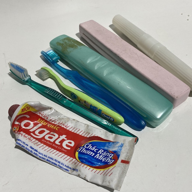 TOO0204 TOOTH BRUSH, Tooth Paste or Holder $2.50