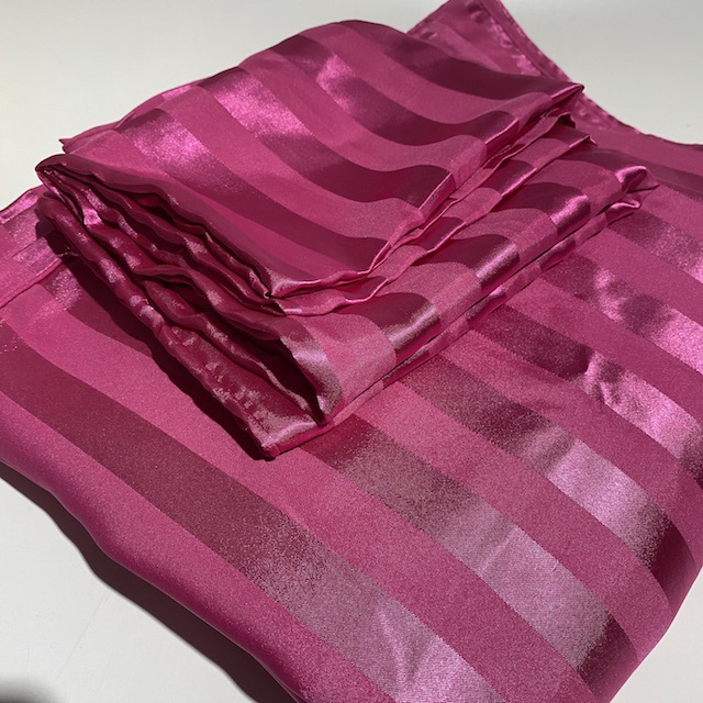 QUI0006 QUILT COVER SET, Hot Pink Satin Stripe (Quilt & x2 Pillowcases) - Queen $22.50