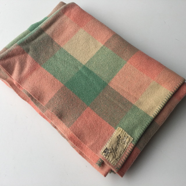 BLA0168, BLANKET, Cream Green & Pink Check $12.50