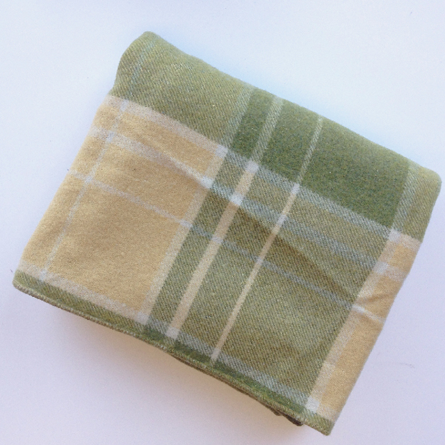 BLA0169, BLANKET, Cream & Pale Green Tartan $12.50