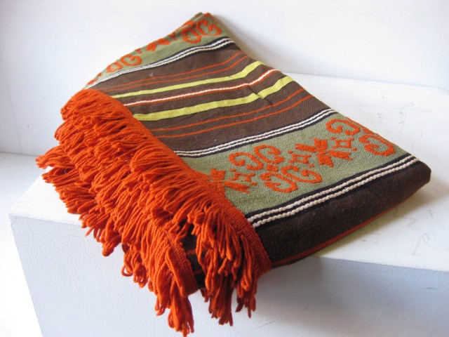 BLA0161, BLANKET, Bedspread - Single 1970's Brown Rust Fringe $20