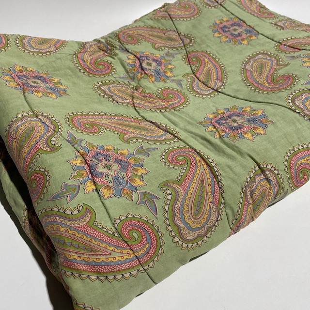 QUI0002, QUILT, 1970s Green Paisley $18.75