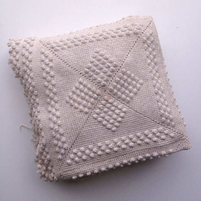 BLA0191, BLANKET (Throw), Cream Bobble $18.75