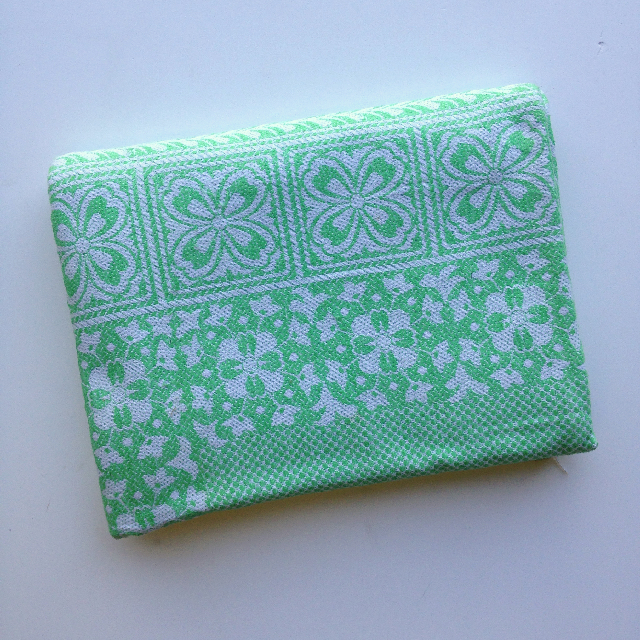 BLA0203, BLANKET (Throw), Green White Cotton $10