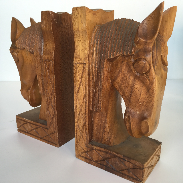 BOO0252 BOOK END (PAIR), Large Carved Horse Head $15