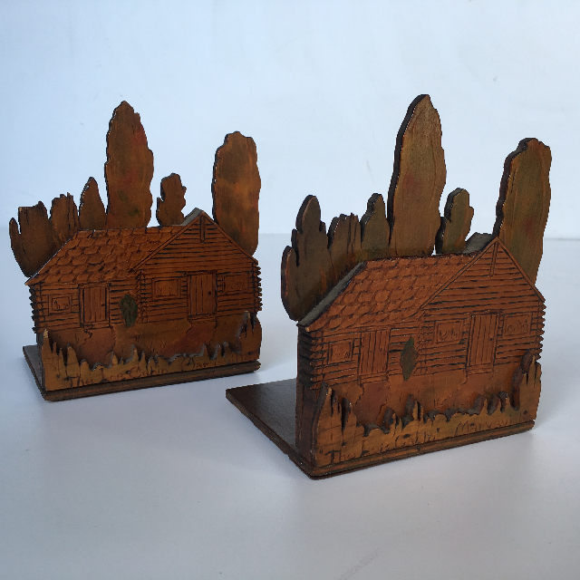 BOO0256 BOOK END (PAIR), Wooden House $8.75