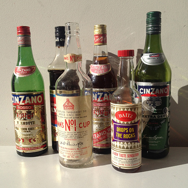 BOT0007 BOTTLES, Assorted 1960s 1970s Liquor Bottles $3.75