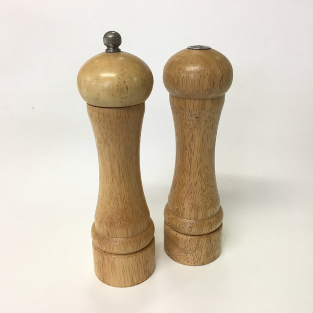 SAL0101 SALT & PEPPER  GRINDER, Medium Beech Timber Pair $10