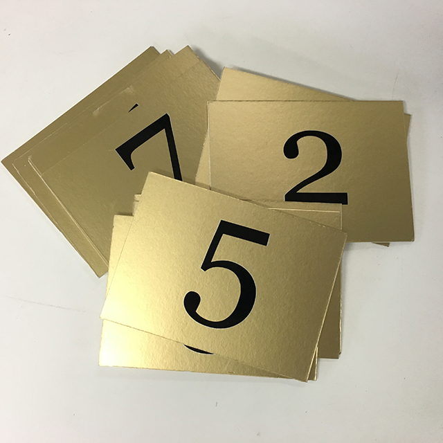 TAB0185 TABLE NUMBERS, Black On Gold $1