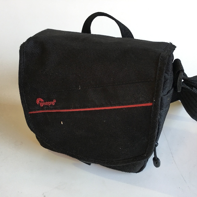 CAM0070 CAMERA CASE, Black Canvas Lowepro $6.25