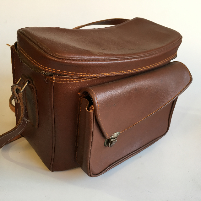 CAM0076 CAMERA CASE, Brown Vinyl - Large $10