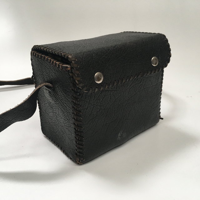 CAM0077 CAMERA CASE, Dark Brown Leather Brownie Case $10