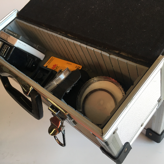 CAM0079 CAMERA CASE, Silver Hardcase w Photographic Props - Expanding $25 (Open View)