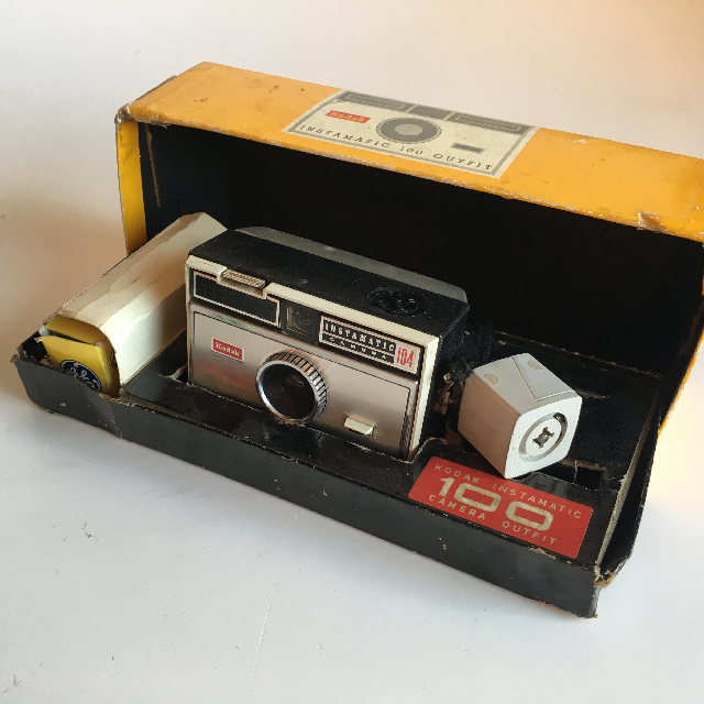 CAM0006 CAMERA, Instant Camera - Kodak Instamatic 104 (In Original Box) $25