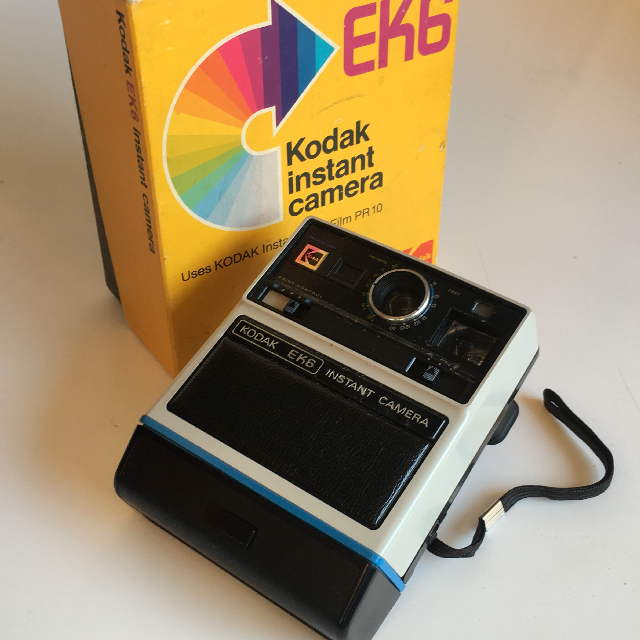 CAM0022 CAMERA, Polaroid Camera - Kodak EK6 in Box $22.50