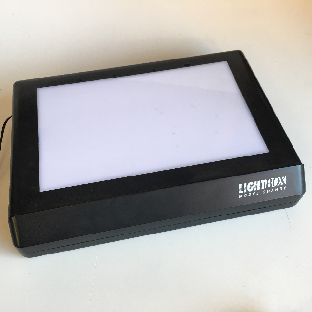 SLI0003 SLIDE LIGHTBOX, Model Grande - Small $7.50