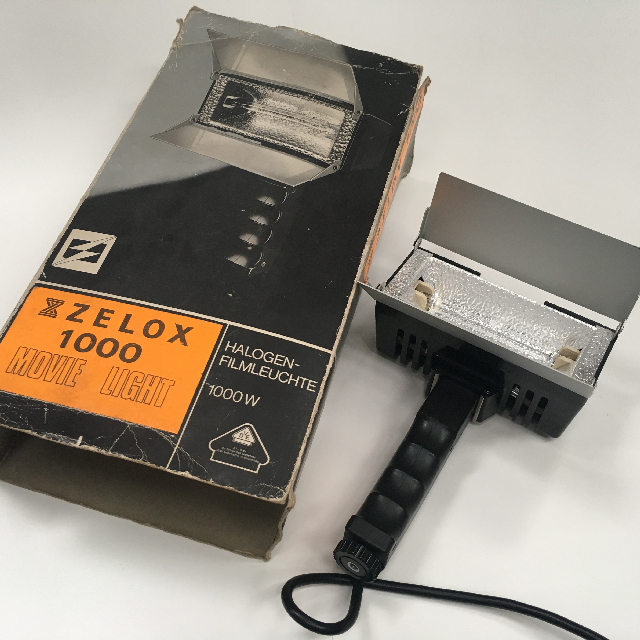 STU0001 STUDIO EQUIPMENT, Movie Light in Box Zelox $18.75