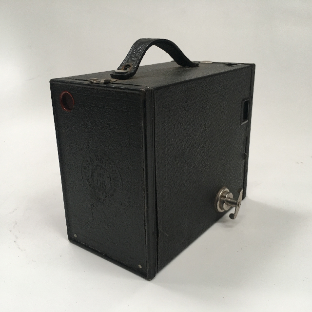 CAM0035 CAMERA, 1900s Vintage Brownie w Leather Casing - Large $18.75