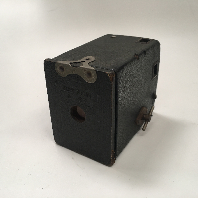 CAM0037 CAMERA, 1900s Vintage Brownie w Leather Casing - Small $18.75