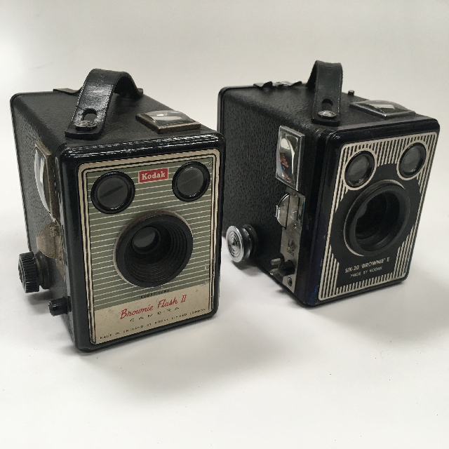 CAM0038 CAMERA, 1920s Vintage Box Brownie - Assorted $15