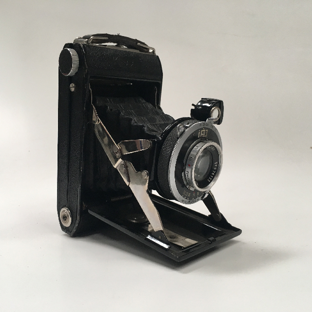 CAM0039 CAMERA, Vintage Folding Brownie 1920 - 1940 Kinax $22.50